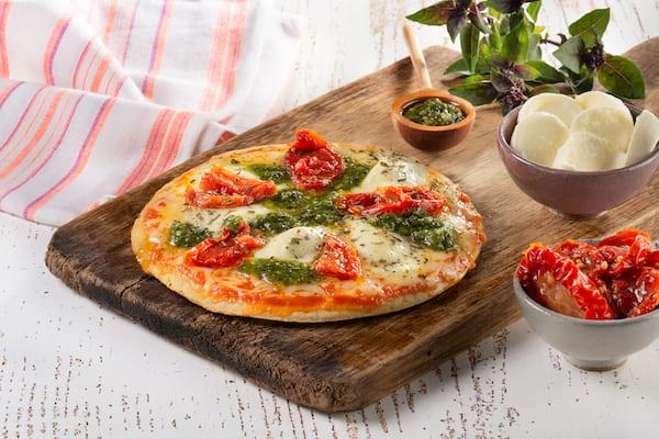WeChef- Pizza Caprese (muçarela, tomate seco e pesto) sem Glúten - 210 g